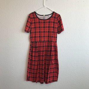 Dresses & Skirts - LuLaRoe Amelia